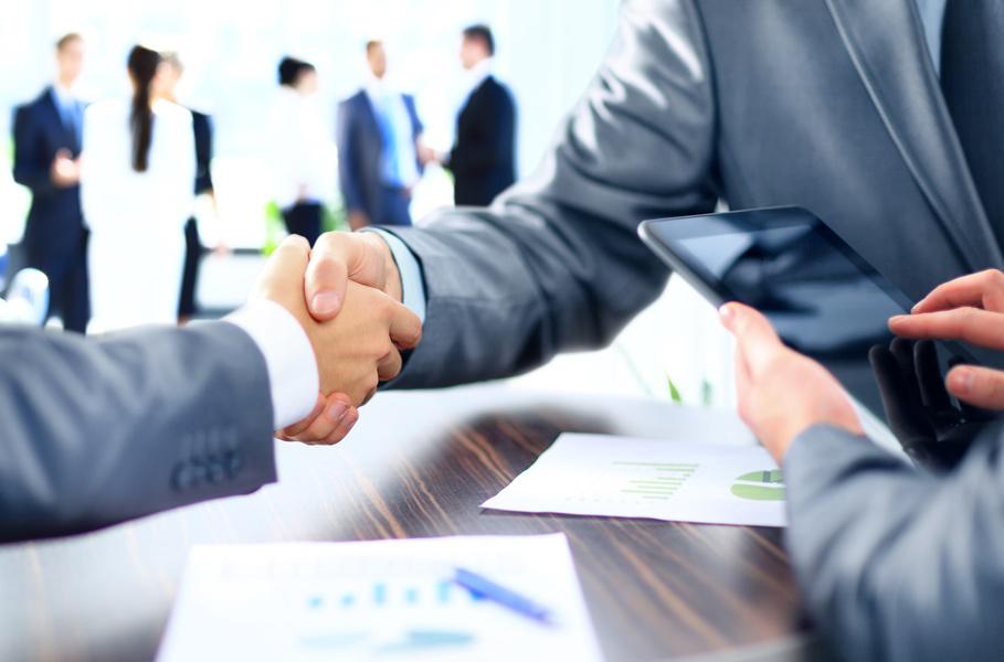 ۵ ترفند برای اینکه بتوانید در قراردادها مانند یک حرفه ای مذاکره کنید
